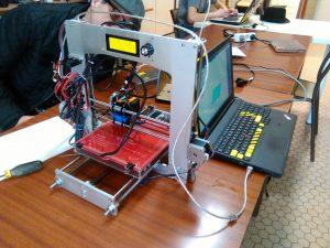 imprimante 3D du Hacker lab de la MLC
